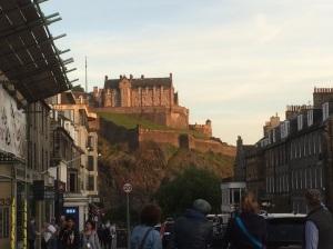 In the sunlight, Arthur's Seat looks gorgeous. Edinburgh is a very pretty city.